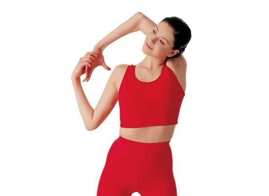 В домашних условиях можно проработать мышцы плечевого пояса