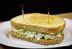 Легкий овощной салат с гренками: пошаговые рецепты с фото, ингредиенты, состав