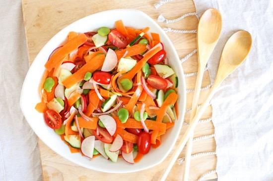 салат из моркови и редиса