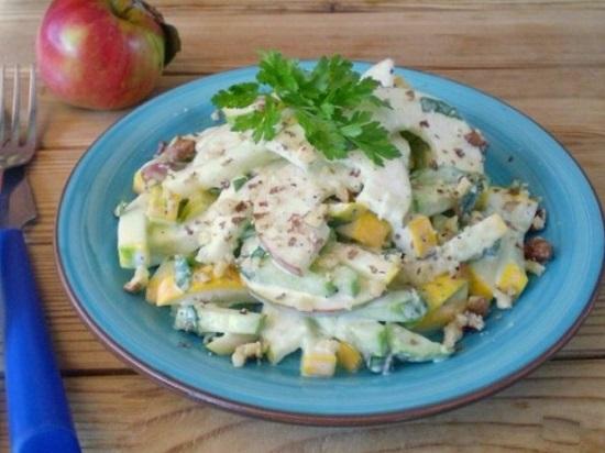 Салат из свежих кабачков: рецепт с фото
