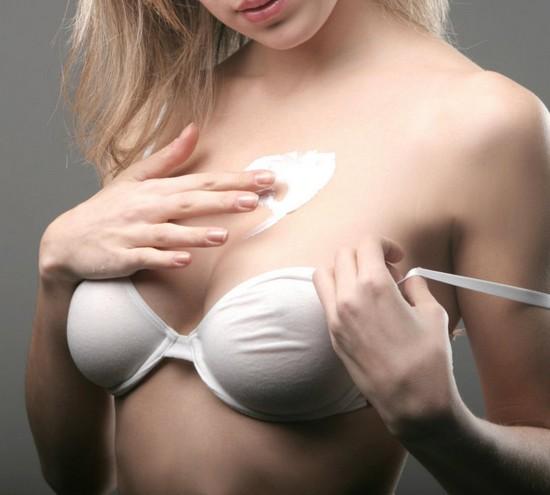 увлажнения кожных покровов груди можно делать маски