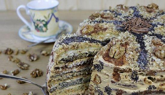 Бисквитный торт с маком и изюмом