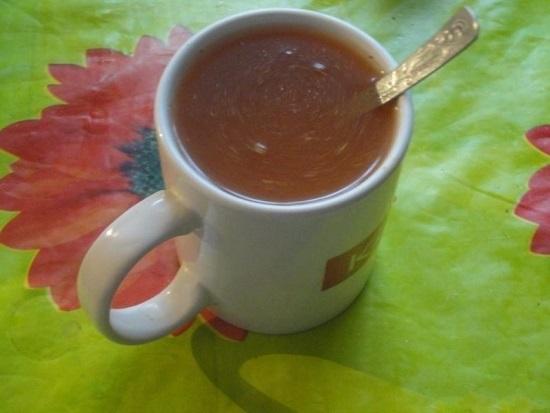 вода с томатной пастой