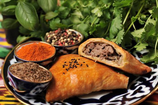 Как приготовить самсу с мясом по-узбекски?