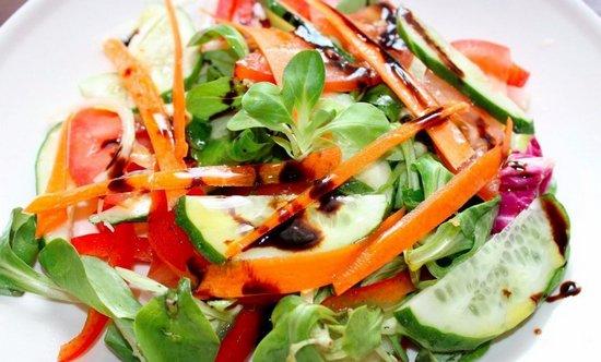 Легкий салатик «Витаминный взрыв»