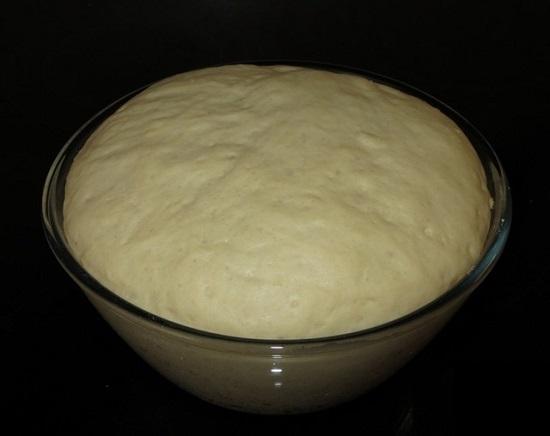 Накроем наше тесто и поставим в укромное теплое место