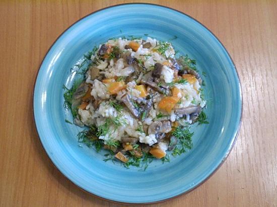 плов постный с грибами и овощами