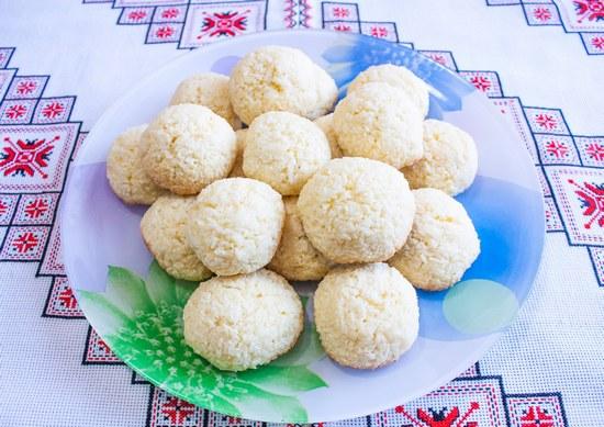 Постное печенье с кокосовой стружкой