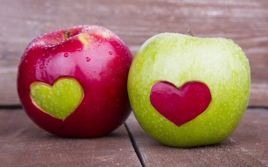 Red-and-Green-Apples-with-Heart-Shape (1)