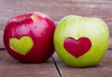 Сколько углеводов в яблоке – красном и зеленом?