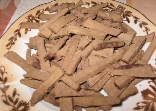 Печень нарежем не слишком толстой соломкой
