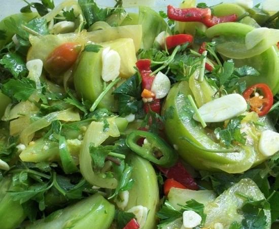 Перемешиваем и помещаем салатик в холодильник