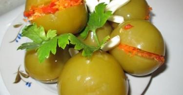 Салат из зеленых помидоров: рецепты вкусных заготовок на зиму