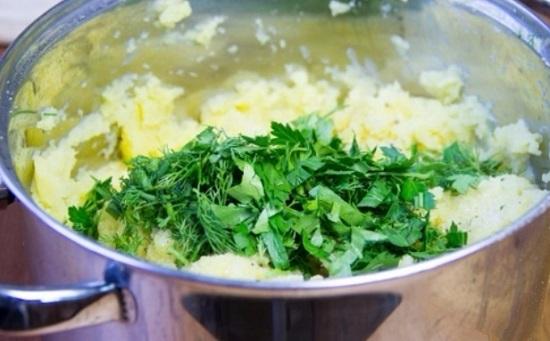 Добавим зелень в картофельное пюре