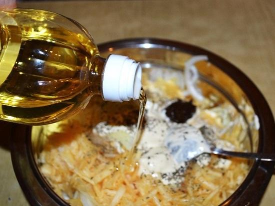 добавляем 1 ст. л. растительного рафинированного масла