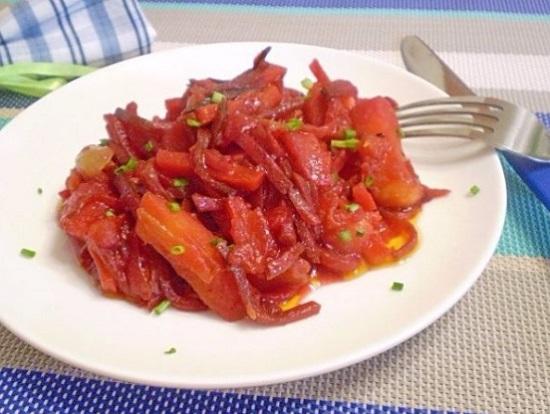 Картофель, тушенный с овощами в мультиварке
