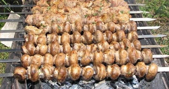 Шампиньоны на мангале: рецепт