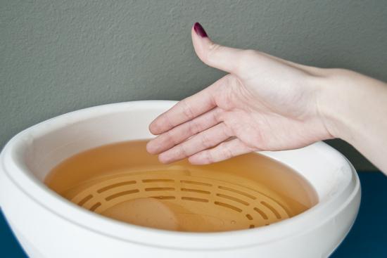 Причины появления водянистых пузырьков на руках