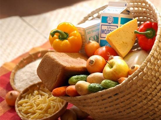 несколько продуктов, обогащенных белками или углеводами