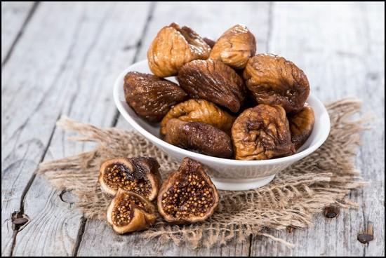 Инжир сушеный (вяленый): польза и вред, калорийность