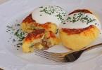 Как приготовить зразы с грибами, яйцом и сыром?