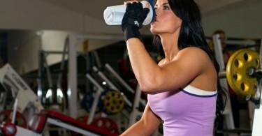 Коктейли для похудения в домашних условиях: жиросжигающие, белковые, «Гербалайф»