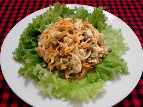 Салат из куриных желудков: с маринованным луком, по-корейски