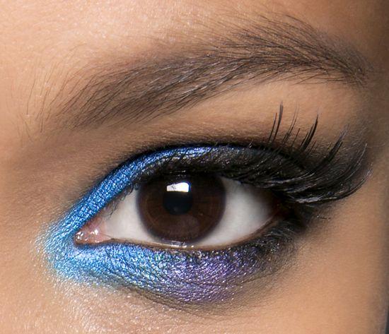 фиолетовые  тени для карих глаз