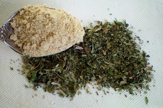 Добавляем смесь сушеных прованских трав