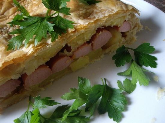 слоеный пирог с сосисками в мультиварке рецепты