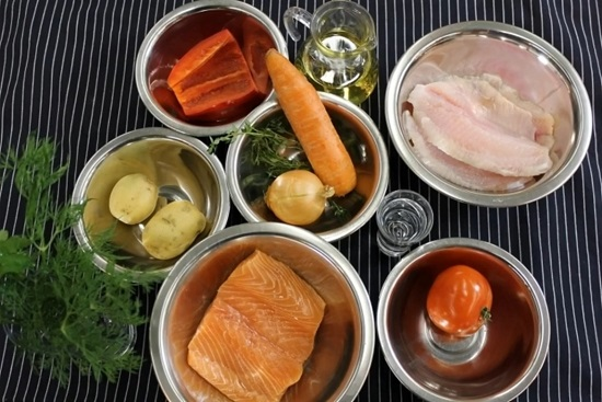 Тщательно очищаем и промываем рыбу
