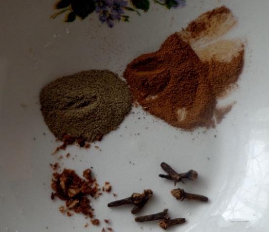 Перемешиваем и выключаем плиту
