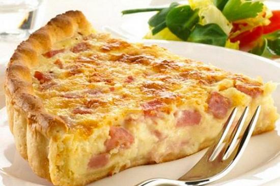 Пирог с сосисками в мультиварке и духовке: пошаговые рецепты