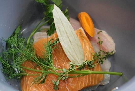 Выкладываем морковь в казанок
