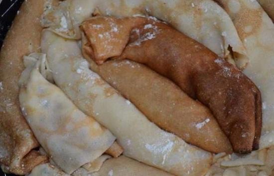 Форму смажем маслом мягким сливочным