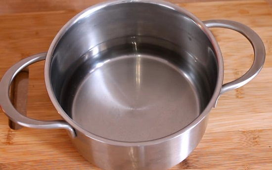 наливаем 500 мл фильтрованной воды