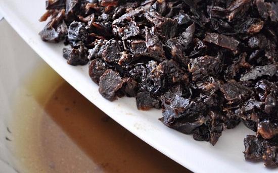 С чернослива сольем водичку