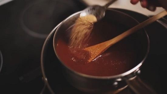 Добавляем коричневый сахарный песок