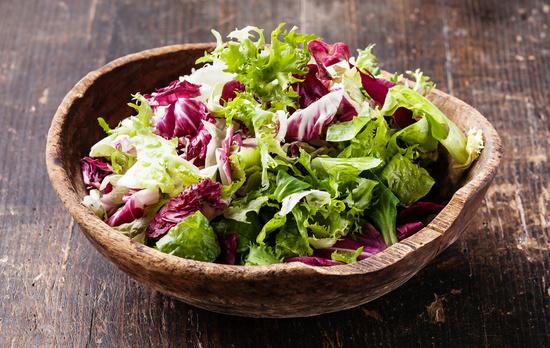 салаты из овощей или фруктов