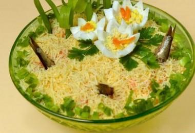 «Рыбки в пруду» салат: пошаговые рецепты с фото