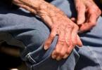 Болезнь Паркинсона: симптомы и признаки, лечение