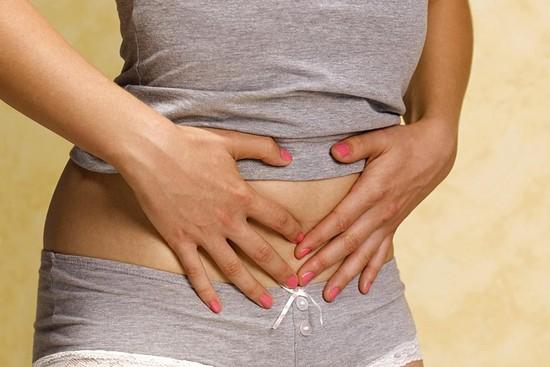 Киста яичника: симптомы