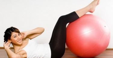 Можно ли заниматься спортом во время месячных, каким?