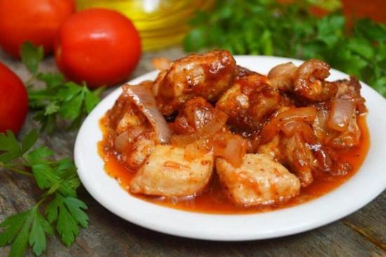 Мясо в вине красном (в духовке, на сковороде)