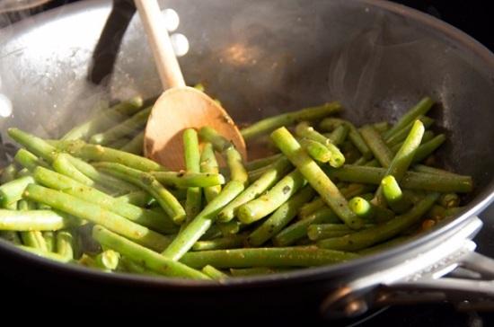 Пассеруем овощи на масле растительном