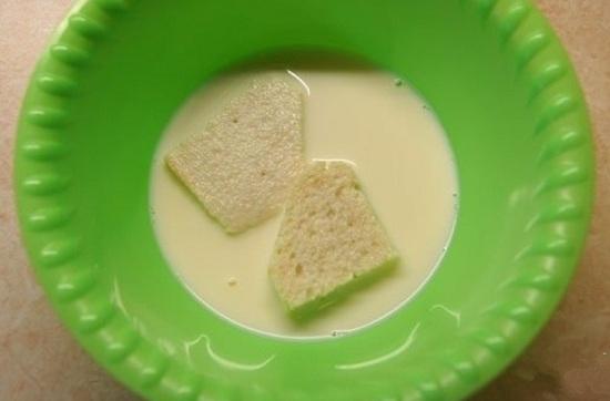 Хлеб зальем сливками