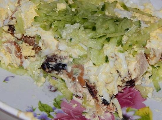 салат «Венеция» рецепт с черносливом