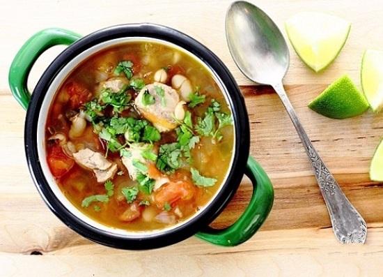 суп фасолевый из консервированной фасоли с мясом