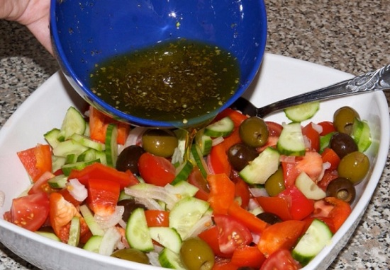 Перемешаем овощи