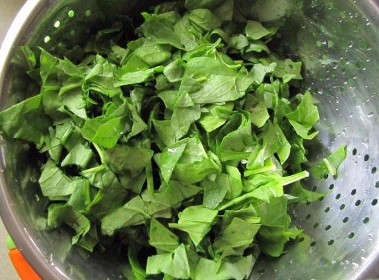 шпинатные листья